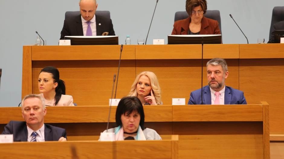 Ministri, Vlada RS 2019, Vlada RS, Šeranić, Trivić, Golić, Davidović