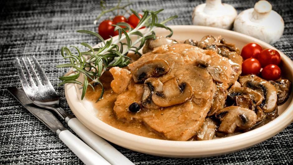 krmenadle, svinjetina, pečurke, sos, meso
