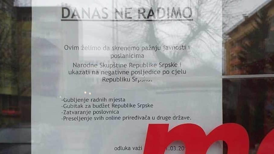 Protest: Zatvorene kladionice u Srpskoj (FOTO)