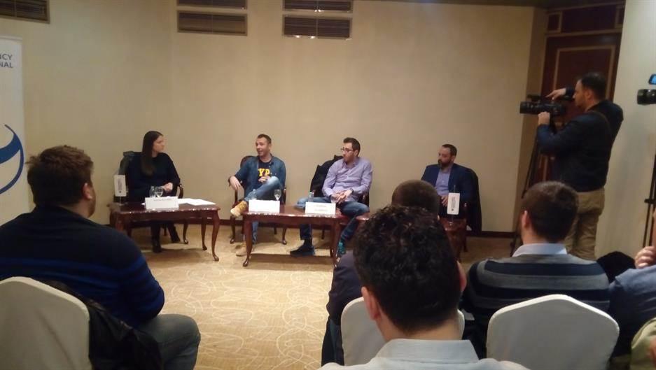 transparency, capital, panel diskusija
