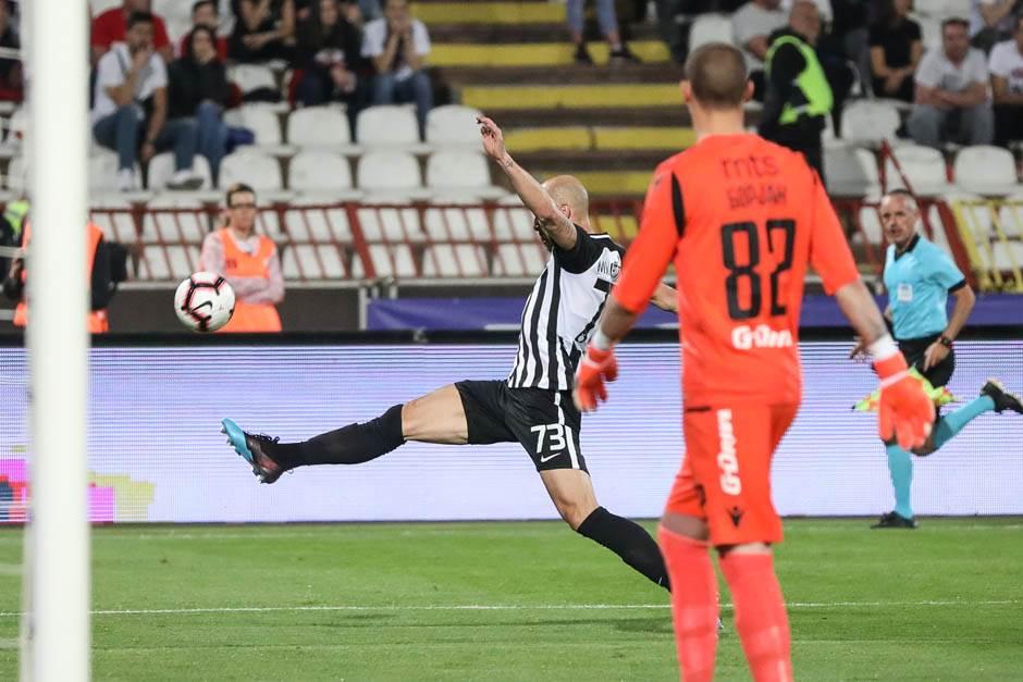 Dva penala, crveni i tri boda za Zvezdu!