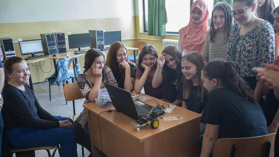 Školama u Ključu i Cazinu uručeni Arduino setovi