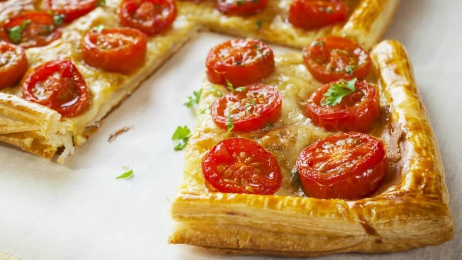 Brzi tart sa paradajzom