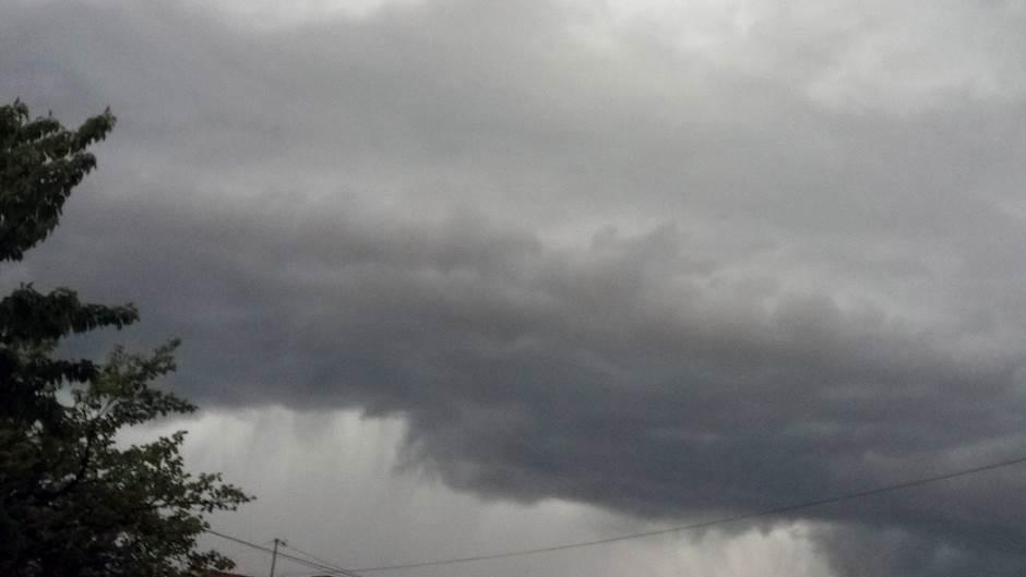 oblaci, oblačno, nevrijeme, grad, padavine, kiša