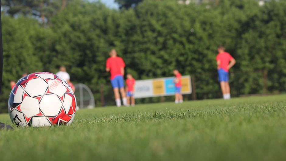 pripreme FK Borac, pokrivalica fudbal, lopta, lopte