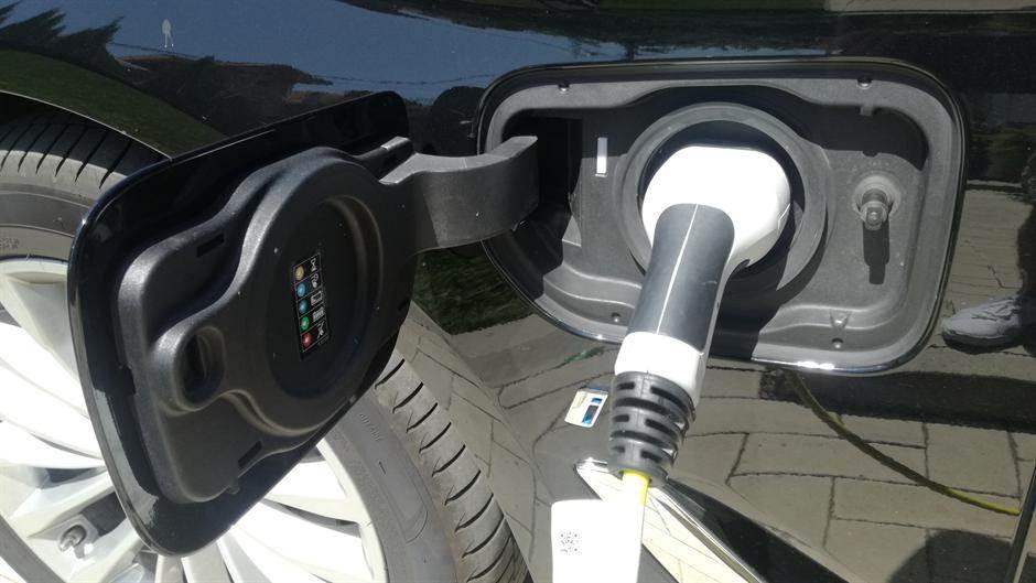električni automobili, električna vozila, punjač, baterija, električno punjenje, automobili na struju, automobili
