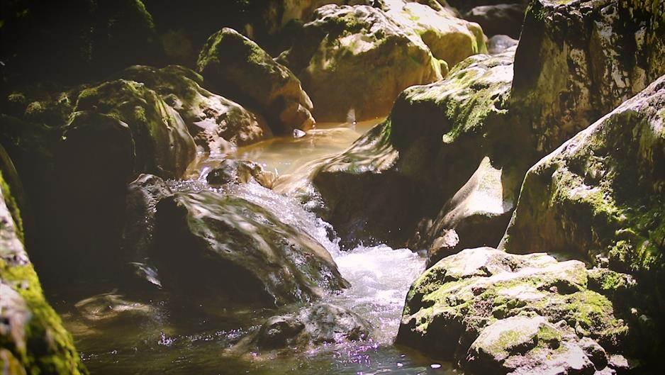 Švrakava, vodopad, slap, potok