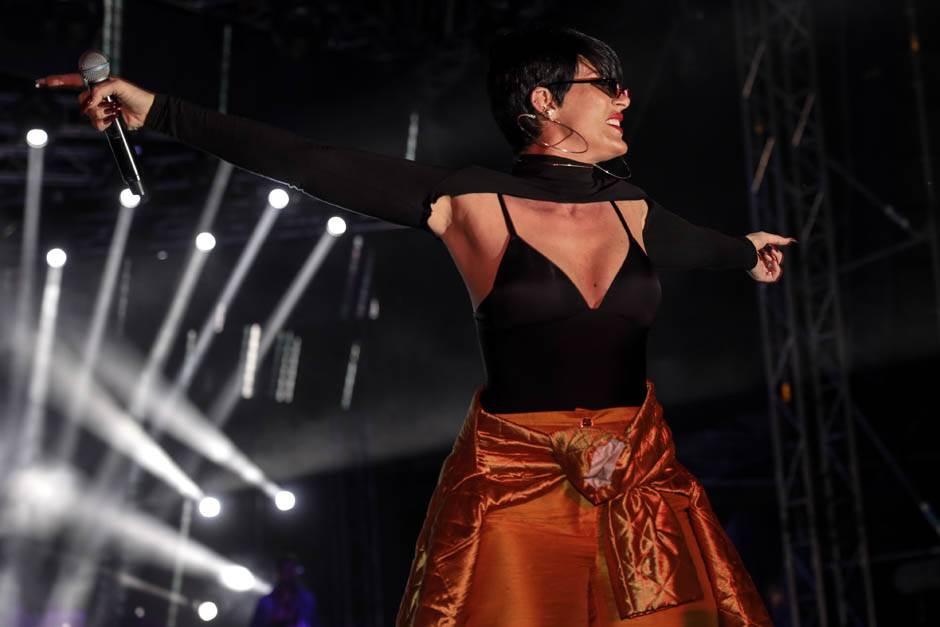 Senidah na Pesmi Evrovizije?! FOTO, VIDEO, ANKETA