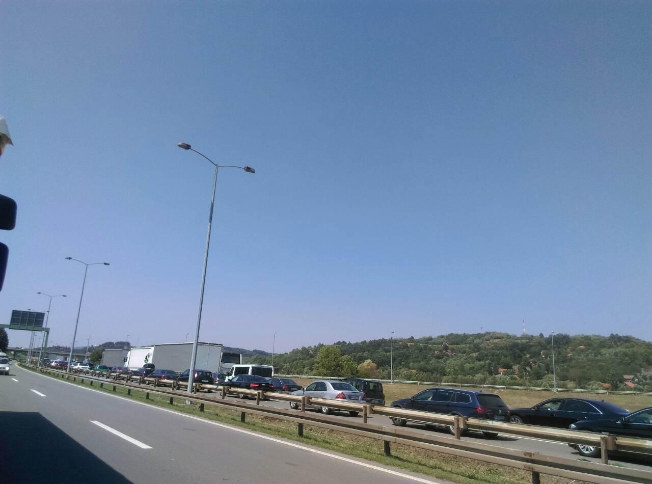 Kolona od pet kilometara iz Srbije ka Mađarskoj!
