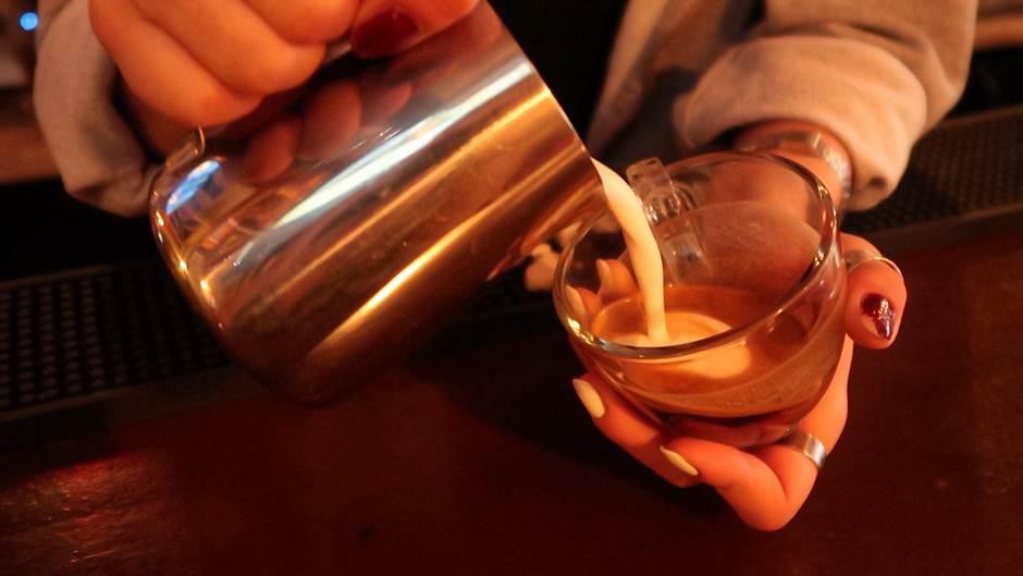 Legenda o podgoričkoj kafi: DOJČ! (VIDEO)