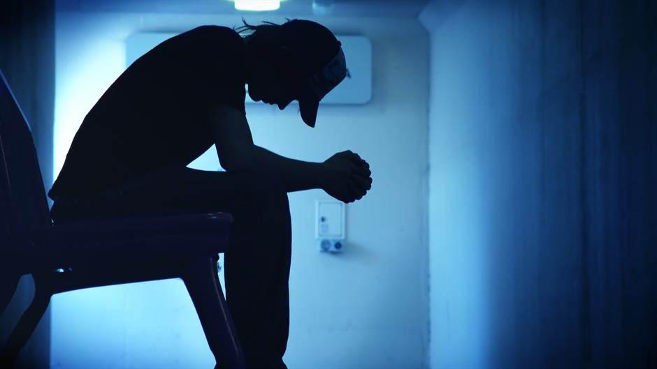 samoubistvo, depresija, mentalna bolest, patnja, tuga