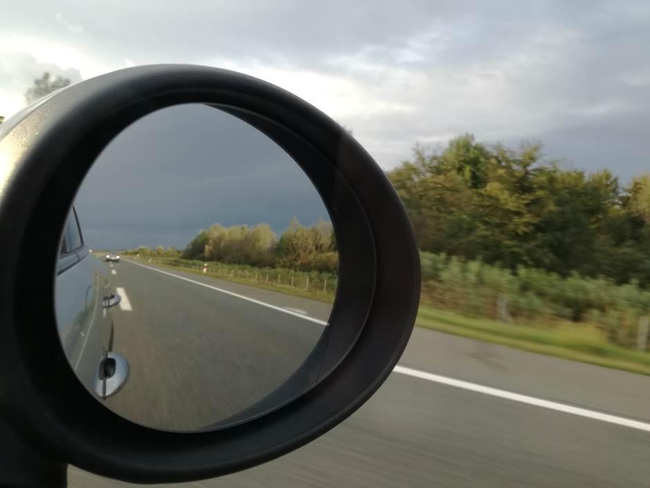 autoput, vožnja, saobraćaj, put, retrovizor