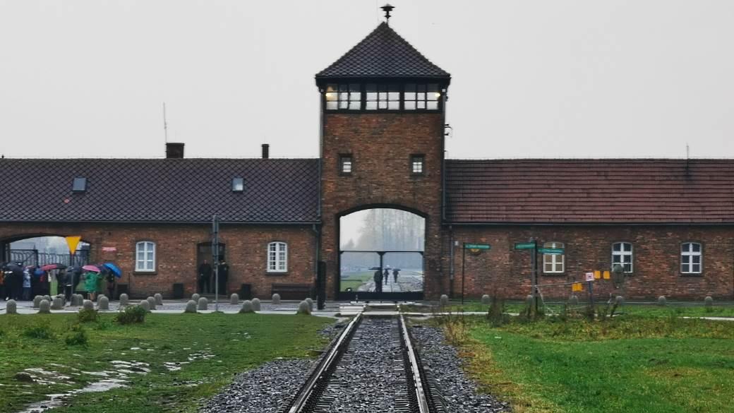 Ausvic Auscic 2 Hitler Jevreji.jpg