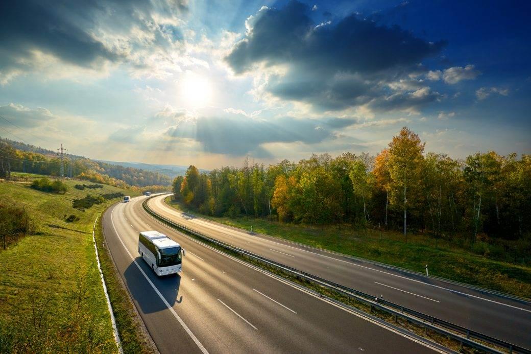 autobus put autoput vozač vožnja vozači putevi
