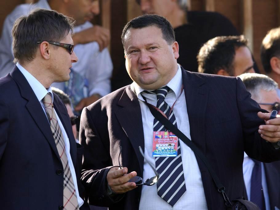 Dragan Stojković Piksi, Salem Prolić