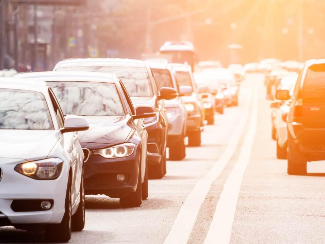 gužva saobraćaj automobili