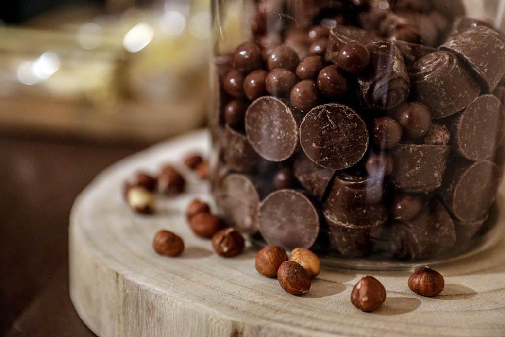 kuglice cokolade u tegli