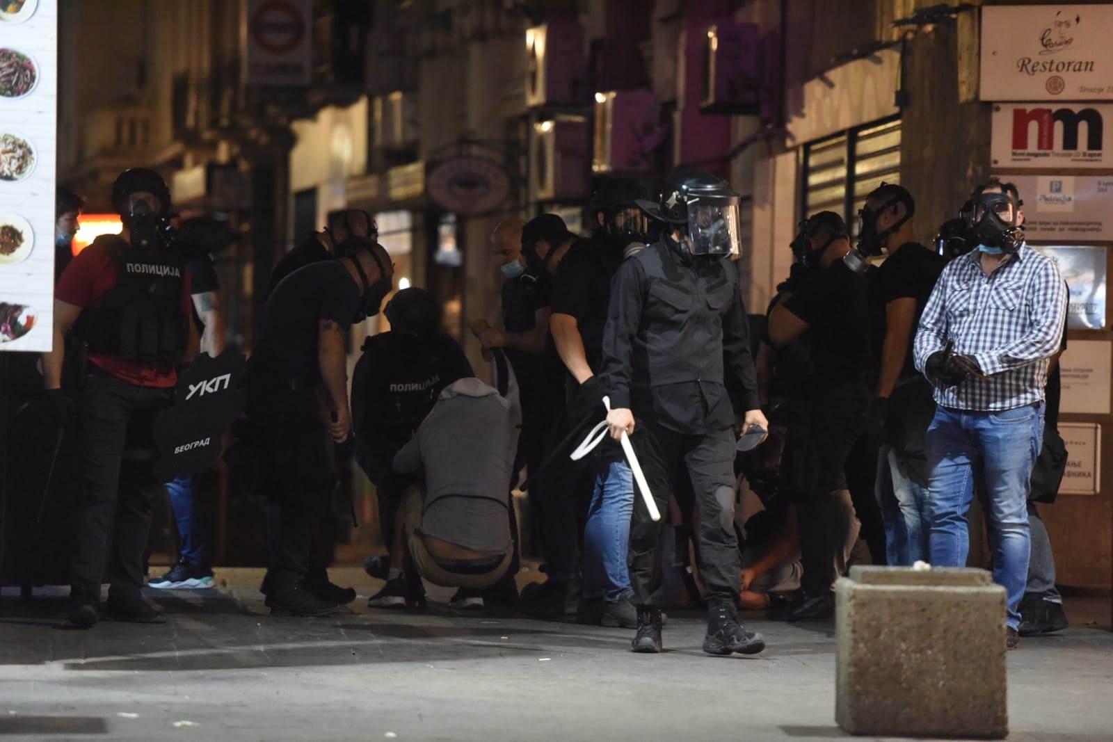 Hapšenja demonstranata