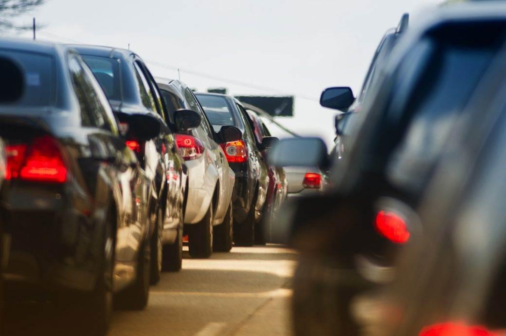 gužva vozila kolona kolaps saobraćaj automobili vozila