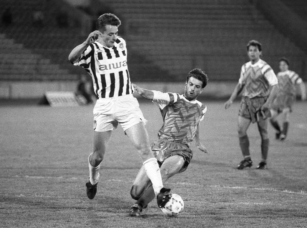Slaviša Jokanović u duelu protiv OFK Beograda.