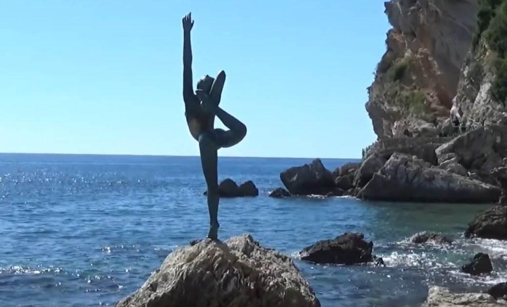 balerina, mogren, budva, statua