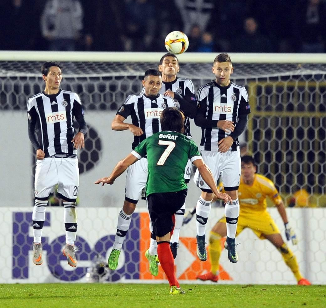 Benjat protiv Partizana u Ligi Evrope.