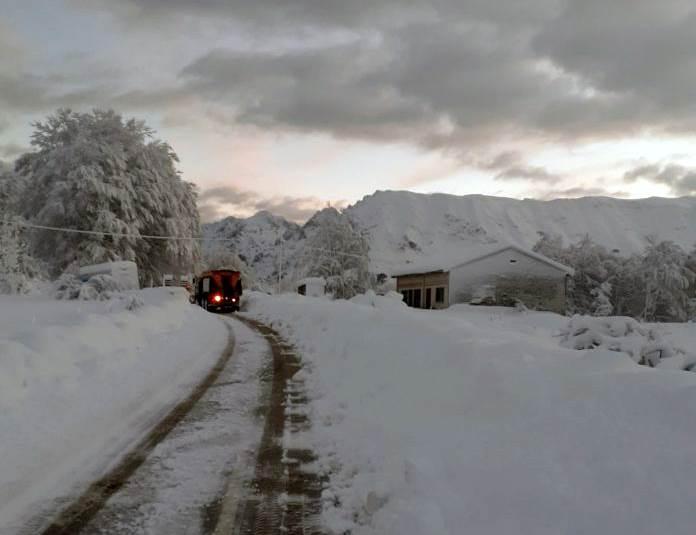 snijeg, čemerno