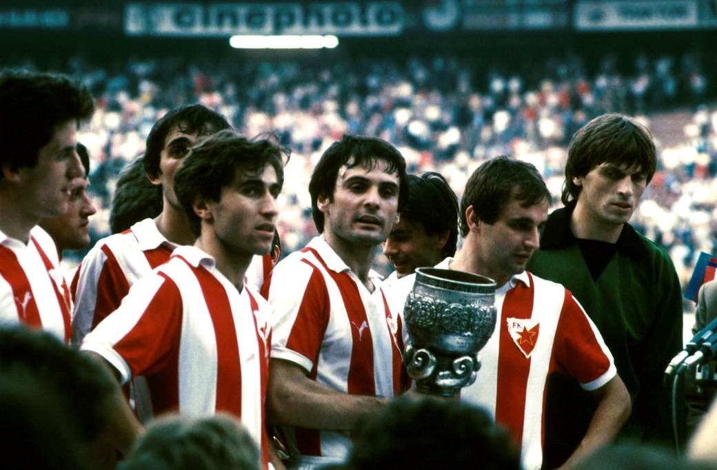 Milan Janković, Zdravko Borovnica, Boško Đurovski, Dušan Savić, Rajko Janjanin i Aleksandar Stojanović, finale Kupa Marsala Tita - Crvena zvezda - Dinamo Zagreb 4:2, 23.05.1982.