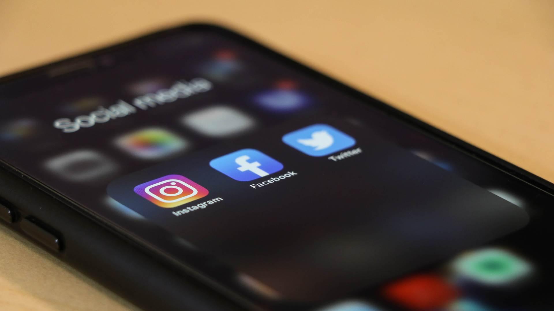 Društvene mreže na pametnom telefonu