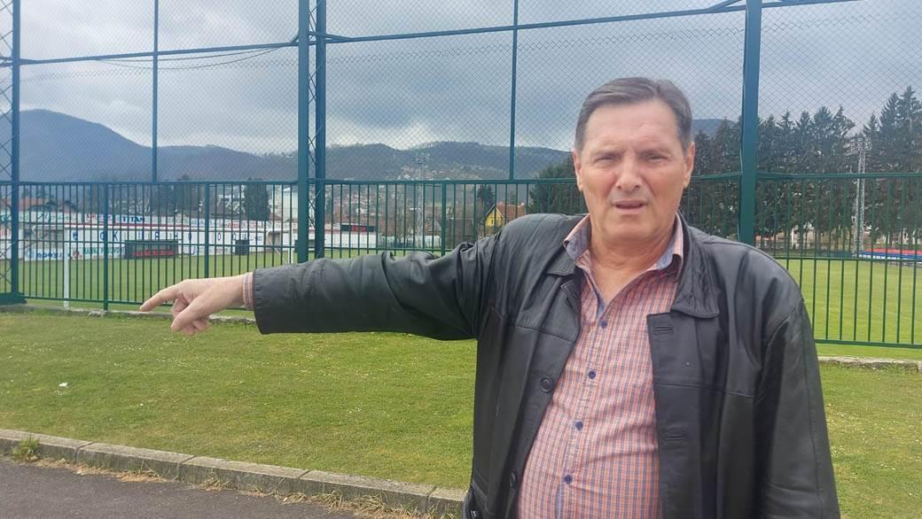Zoran Antonijević predsednik FK Crnokosa iz Kosjerića, na mestu gde se desio incident.