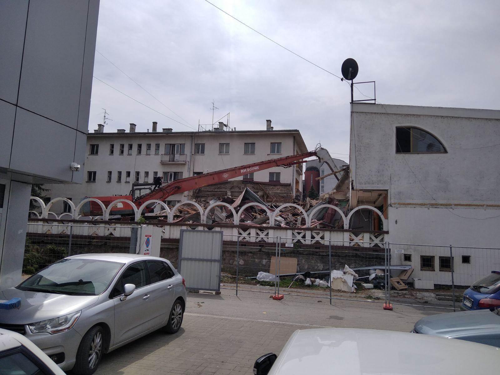 ''Bijeli dvor'': Rušenje kluba ''Sebastijan''