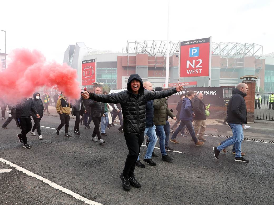 football;soccer;fans;protest;old trafford;man united;owners;protesting;SOCCER;Man Utd;category_code_s