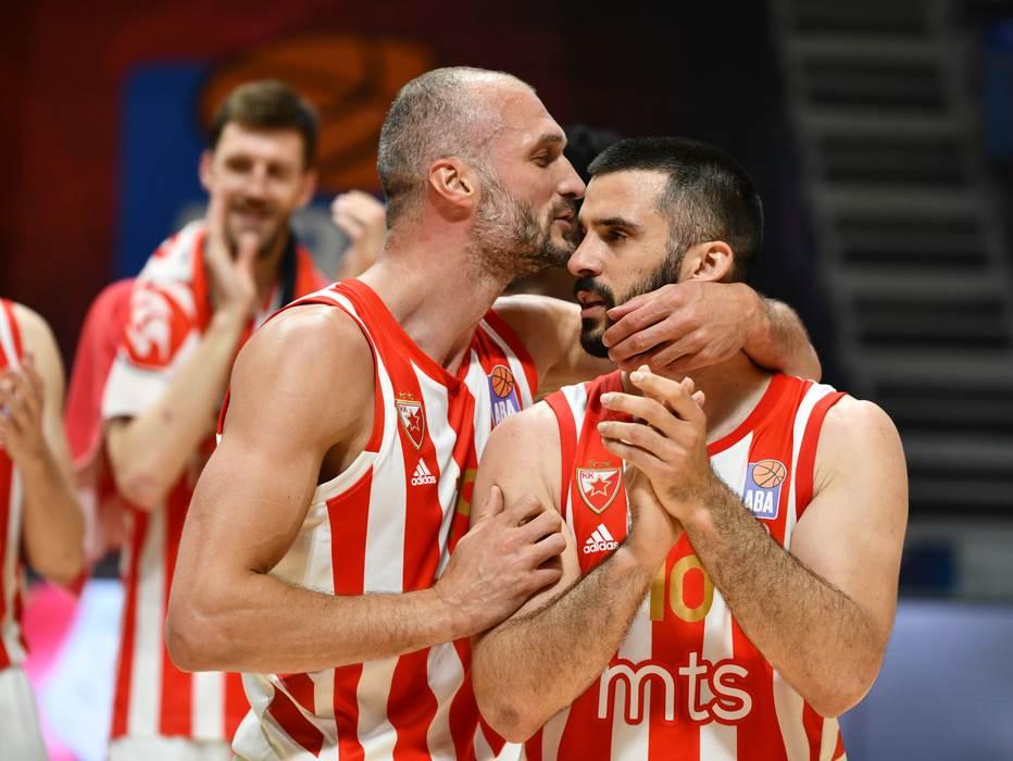 Košarkaši Crvene zvezde Marko Simonović i Branko Lazić.