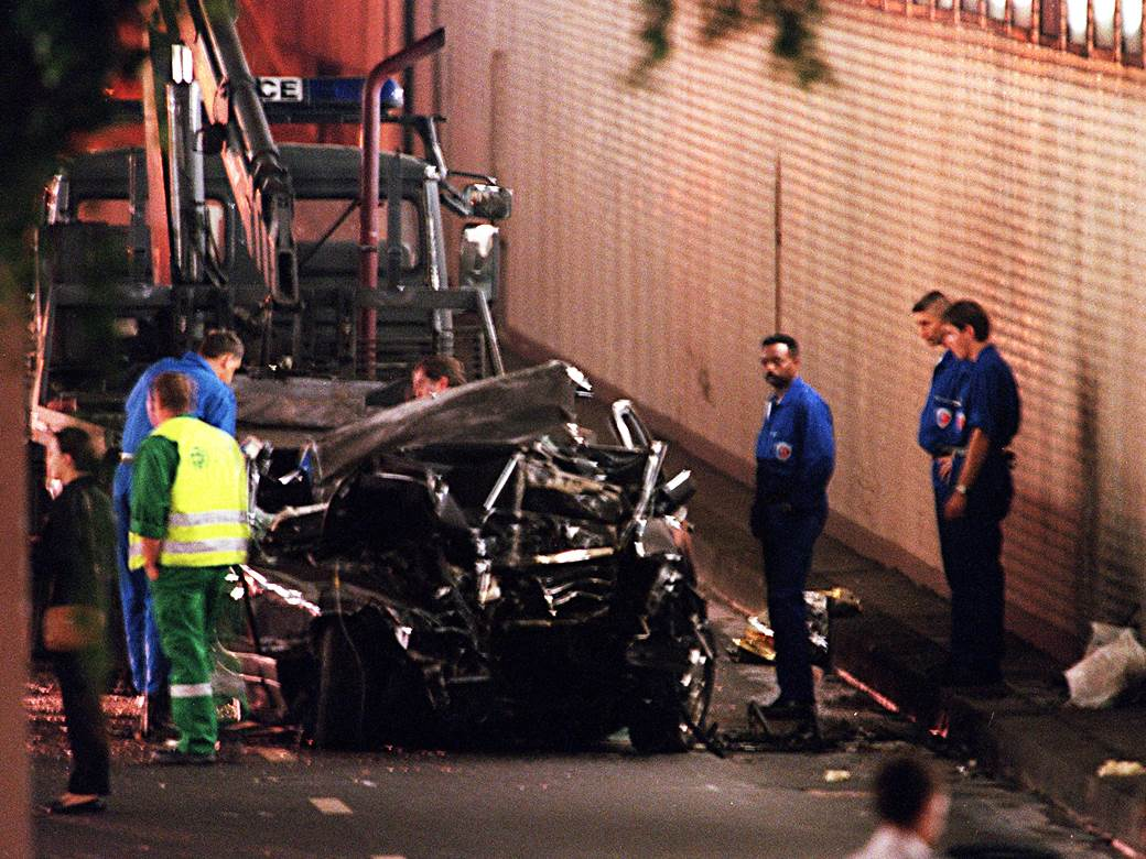nesreca u tunelu u parizu