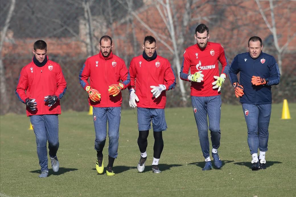 Sleva: Aleksandar Stanković, Milan Borjan, Zoran Popović, Nikola Vasiljević i trener golmana Dušan Gašić