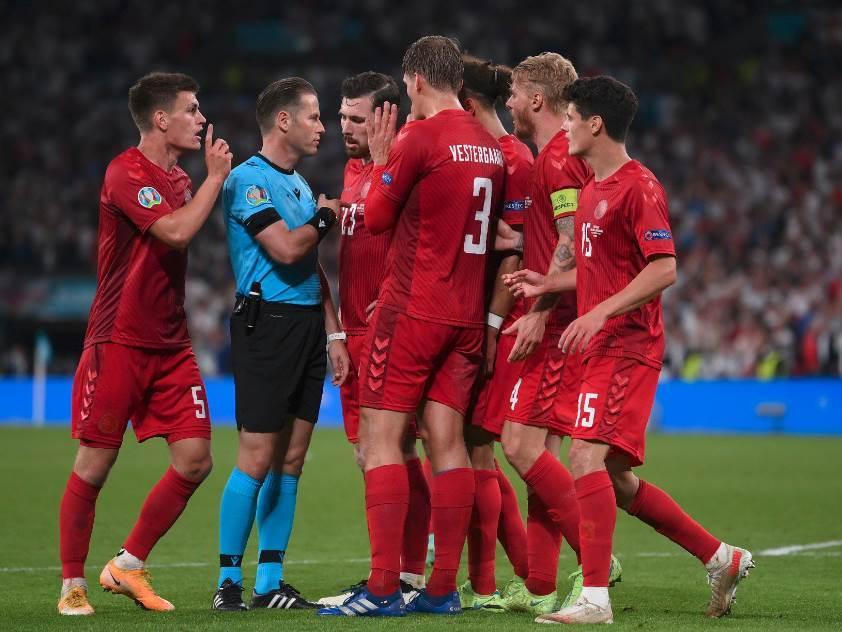 dani makeli penal engleska danska