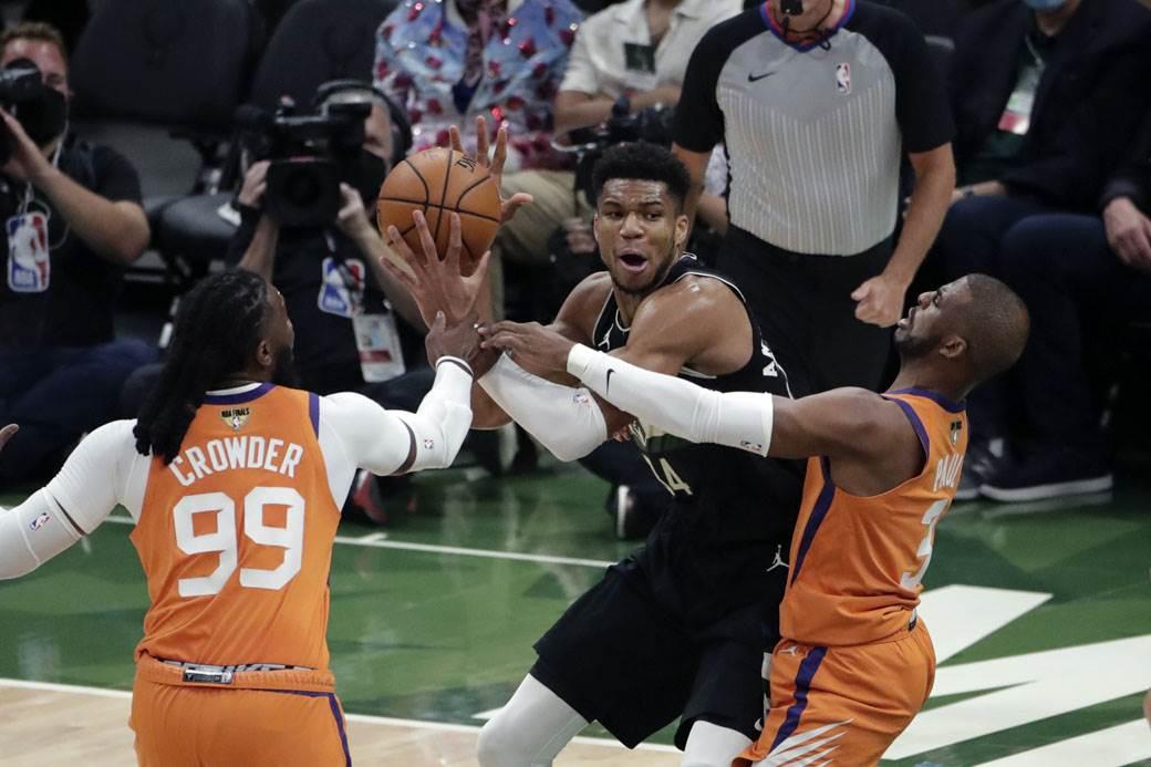 Milwaukee Bucks - Phoenix Suns (5)