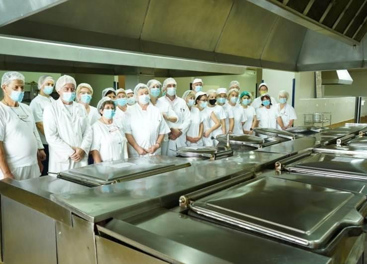 Zaposleni u kuhinji UKC RS