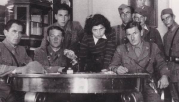 Štab 6. krajiške udarne brigade NOVJ u Banjaluci. Lijevo sjedi Milančić Miljević