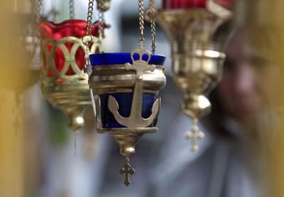 crkva sveće kandilo pravoslavlje sveti sveci krst spc pravoslavni