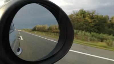 autoput, vožnja, saobraćaj, retrovizor