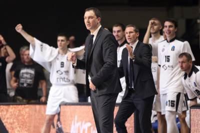 Nenad Čanak Partizan klupa