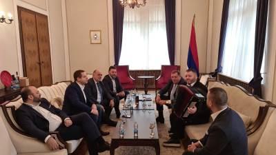 Dodik i harmonikaš na sjednici Predsjedništva