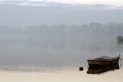 čamac, dunav, magla