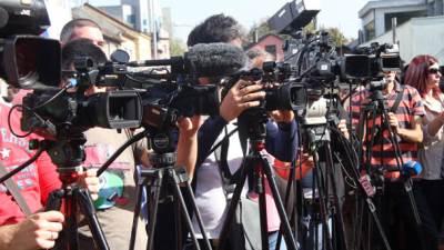 kamere, nevinari, mediji